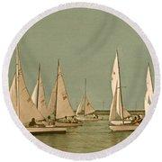 Vintage Comet Race  Round Beach Towel