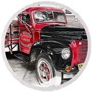 Vintage International Truck Round Beach Towel by Douglas Barnard