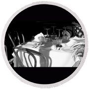 Waiting For Diners Bw Round Beach Towel