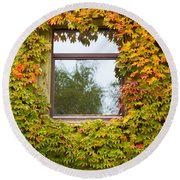 Wall Overgrown With Fall Colored Vine And Ivy Round Beach Towel