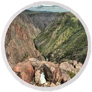 Walls Of The Black Canyon Round Beach Towel