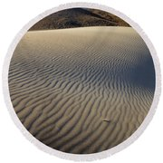 Wind Traces At The Desert Round Beach Towel