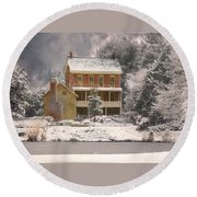 Winter Farm House Round Beach Towel