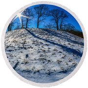 Winter Scinery In The Mountains With Bllue Sky And Sunshine Round Beach Towel