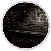 Ye Olde Bench In Bakewell Town Peak District - England Round Beach Towel