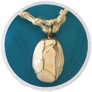 Aphrodite Urania Necklace Round Beach Towel