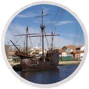 16th Century Ship Round Beach Towel