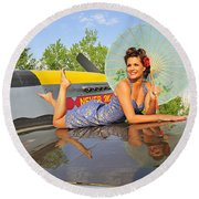 1940s Style Pin-up Girl With Parasol Round Beach Towel