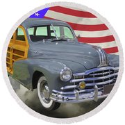 1948 Pontiac Silver Streak Woody And American Flag Round Beach Towel