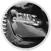 1952 Gmc Suburban Emblem Round Beach Towel