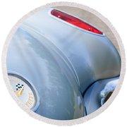 1960 Chevrolet Corvette Emblem - Taillight Round Beach Towel