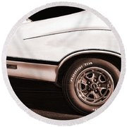 1972 Oldsmobile Cutlass 4-4-2 Round Beach Towel