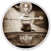 1915 Saxon Roadster Hood Ornament Round Beach Towel