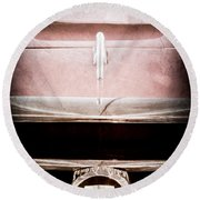 1953 Nash-healey Roadster Grille Emblem Round Beach Towel