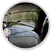 1960 Mercedes-benz 220 Se Convertible Hood Ornament Round Beach Towel