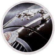 1964 Jaguar Mk2 Saloon Hood Ornament And Emblem Round Beach Towel