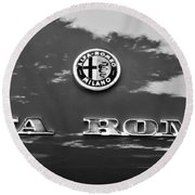 1969 Alfa Romeo Spider Veloce Iniezione Emblem Round Beach Towel
