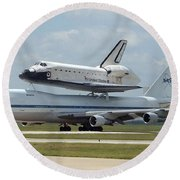 747 Carrying Space Shuttle Round Beach Towel