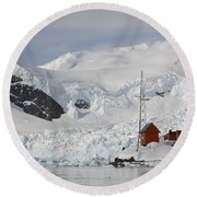 Almirante Brown Research Station Round Beach Towel