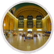 2 A.m.grand Central Station  Round Beach Towel