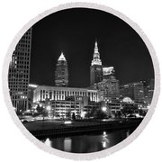 Cleveland In Black And White Round Beach Towel