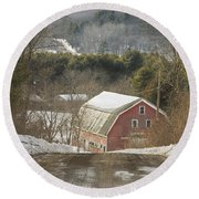 Country Road And Barn In Winter Maine Round Beach Towel