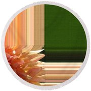 Dahlia Named Intrepid Round Beach Towel