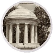 District Of Columbia War Memorial Round Beach Towel