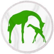 Giraffe In Green And White Round Beach Towel