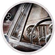Mercedes-benz 250 Se Steering Wheel Emblem Round Beach Towel