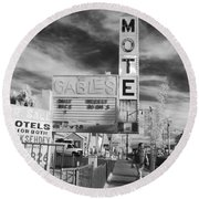 2 Motels Round Beach Towel