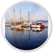 Port Orchard Marina Reflections Round Beach Towel