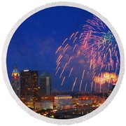 D21l-10 Red White And Boom Fireworks Display In Columbus Ohio Round Beach Towel