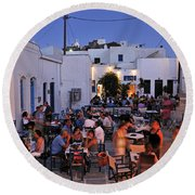 Serifos Town During Dusk Time Round Beach Towel