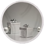 Silver Bauble And Present Round Beach Towel