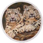 Snow Leopards Round Beach Towel