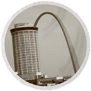 St. Louis - Gateway Arch Round Beach Towel