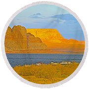 Sunset Glow Over Wahweap Bay In Lake Powell In Glen Canyon National Recreation Area-arizona Round Beach Towel