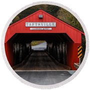 Taftsville Covered Bridge Vermont Round Beach Towel