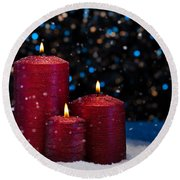 Three Red Candles In Snow  Round Beach Towel