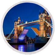 Tower Bridge In London Uk At Night Round Beach Towel
