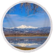 Twin Peaks Longs And Meeker Lake Reflection Round Beach Towel