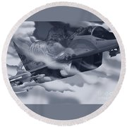 Two-tailed Tomcat Round Beach Towel