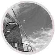 Windmill In The Sky In Black And White Round Beach Towel