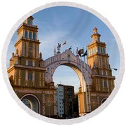 2013 Gateway To Feria De La Seville Round Beach Towel