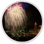 21l106 Red White And Boom Fireworks Photo Round Beach Towel