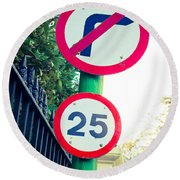 25 Mph Road Sign Round Beach Towel