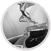 1932 Auburn 12-160 Speedster Hood Ornament Round Beach Towel