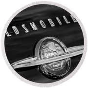 1950 Oldsmobile 88 Emblem Round Beach Towel