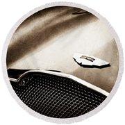 1953 Aston Martin Db2-4 Bertone Roadster Hood Emblem Round Beach Towel